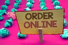Word het schrijven tekstorde online Bedrijfsconcept voor Aankoop iets op Internet-Elektronische handel het Draadloze winkelen royalty-vrije stock afbeeldingen