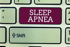 Word het schrijven tekstslaap Apnea Bedrijfsconcept voor de tijdelijke onderbreking van ademhaling tijdens slaap het Snurken stock foto's
