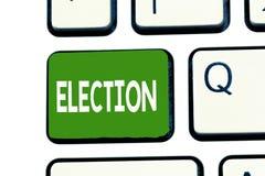 Word het schrijven tekstverkiezing Bedrijfsconcept voor formele en georganiseerde keus door stem die voor politiek mandaat aanton royalty-vrije stock foto's