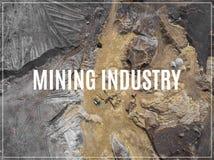 Word Mijnbouw Steenkool en zandmijn Mening van hierboven Royalty-vrije Stock Foto's