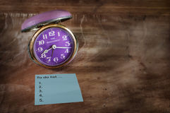 Word of to do list on sticky note with retro clock Royalty Free Stock Photo