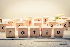 Word ` verhouding houten Kubiek van ` op het hout royalty-vrije stock afbeelding