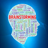 Wordcloud för det mänskliga huvudet märker idékläckning Arkivbilder