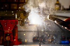 Worker in action with no protection gloves Royalty Free Stock Photos