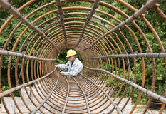 Worker assembling rebar Royalty Free Stock Photos
