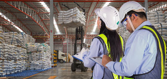 The worker report and check stock Royalty Free Stock Photo