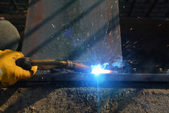 Worker welding steel Royalty Free Stock Photo