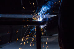 Worker are welding steel Royalty Free Stock Photography