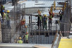 Workers on construction site Royalty Free Stock Photos