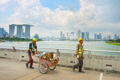 Workers in Singapore Marina Bay Royalty Free Stock Photos