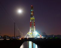 Working drilling rig in night Royalty Free Stock Photography