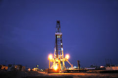 Working drilling rig in night. Land drilling rig in Shengli Oil,CHN Stock Images