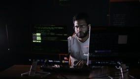 working för datorman stock video