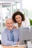 working för lag för affärsdator säker arkivfoto