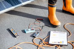 Free Working Tools For Installing Solar Panels Stock Photo - 163528940
