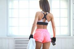 Workout στη γυμναστική στοκ εικόνα