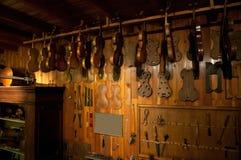 Workshop antico di un più luthier Fotografia Stock