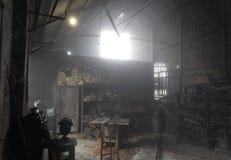 Workshop in de Mist Stock Afbeeldingen
