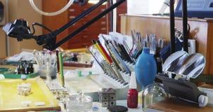 Worktop do horologist com os equipamentos video estoque