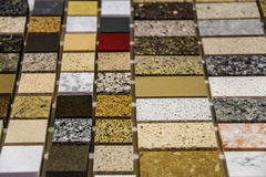 Worktops coloridos da cozinha do mármore e do granito Fotos de Stock Royalty Free