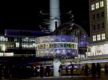 """""""World在Alexanderplatz†的时钟 免版税库存图片"""