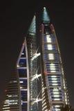 World Trade Center - Bahrein - escena de la noche Fotos de archivo libres de regalías