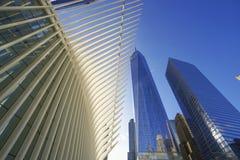 World Trade Center de surpresa de Westfield - shopping moderno em MANHATTAN zero à terra - NEW YORK - 1º de abril de 2017 imagens de stock royalty free