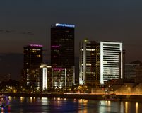 World Trade Center et plaza de Crowne d'hôtel à Moscou Vue de nuit Photos libres de droits