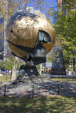 World Trade Center sfera uszkadzająca przy Wrześniem 11 w Bateryjnym parku Zdjęcie Stock