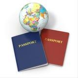 World Travel. Tierra y pasaporte en el fondo blanco Fotos de archivo libres de regalías