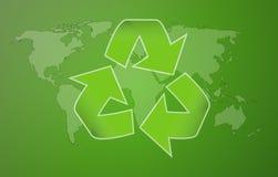 Worldmap vert avec le symbole de la réutilisation Images stock