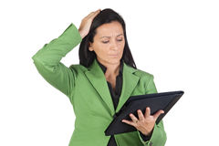 Worried businesswoman reading Royalty Free Stock Images