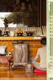Worshiper bij Boeddhistische Tempel Royalty-vrije Stock Afbeelding