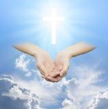 Worshiping η θεία πηγή αγάπης και φωτός Στοκ εικόνα με δικαίωμα ελεύθερης χρήσης
