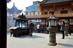 Worshippers At Chinese Taoist Temple Shanghai China Stock Images