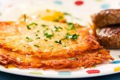 Worst, Eieren, en Gebakken aardappelen Stock Fotografie