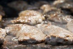 Worsten op de barbecue Stock Afbeeldingen