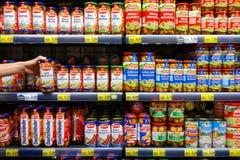 Worsten in supermarkt royalty-vrije stock fotografie
