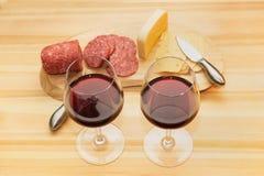 Worstkaas en wijn Stock Foto's