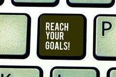 Wort, das Text Reichweite Ihre Ziele schreibt Geschäftskonzept für erzielen, was Sie erfolgte Träume sein oder Liste tun wünschte stockfoto