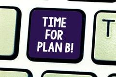 Wort, das Text Zeit für Plan B schreibt Geschäftskonzept, damit Apply neue Strategien ändernde Tastatur Pläne des Erfolgs erhalte lizenzfreie stockfotos