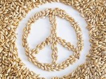 Wort des Friedens gemacht mit Körnern des Weizens Stockfoto