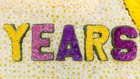 Wort-Jahre wird von den Blumen gemacht Stockbild