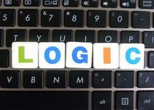 Wort-Logik auf Tastaturhintergrund stockfoto