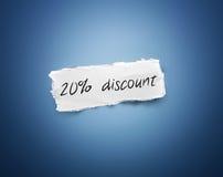 Wort - 20% Rabatt - auf einem Schrott des Weißbuches Stockbilder