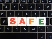 Wort-Safe auf Tastaturhintergrund Lizenzfreies Stockfoto