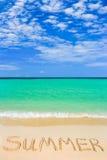 Wort-Sommer auf Strand Stockfoto