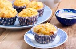 Wortel en sinaasappel cupcakes Stock Foto
