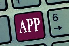Wortschreibens-Text APP Geschäftskonzept für Computerprogramm Download-Software durch einen Benutzer zu einem tragbaren Gerät lizenzfreie stockfotos