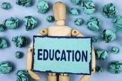 Wortschreibens-Text Bildung Geschäftskonzept für das Unterrichten von Studenten durch die Durchführung der spätesten Technologie  lizenzfreie stockbilder